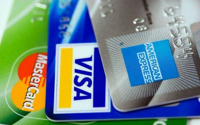 Lyft a Chase ponúkajú odmeny za jazdu na kreditné karty